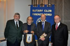 Pier Francesco Listri (seconda da sin.) al Rotary Club Firenze Nord