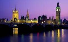 Londra: raccolte 800.000 firme per indire un nuovo referendum. Ma ormai la procedura per exit è iniziata