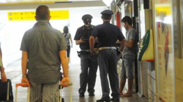 Agenti polfer alla stazione di Bologna