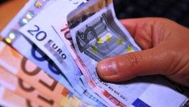 Borsello con 9 mila euro dimenticato all'autogrill
