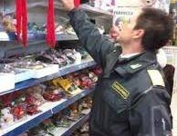 Pistoia, 6000 articoli di Carnevale «made in China» sequestrati dalla Finanza