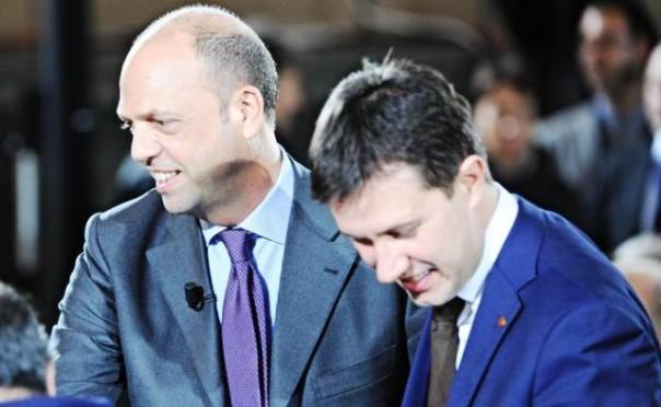 Il ministro dell'Interno, Angelino Alfano, con il sindaco di Firenze Dario Nardella