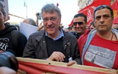 Fiom, Landini attacca: Renzi peggio di Berlusconi. E la minoranza dem è con lui