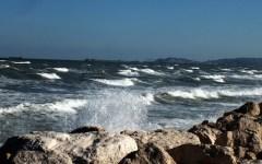 Toscana, nuovo allerta meteo per domenica 15 e lunedì 16 marzo: raffiche di vento e pioggia