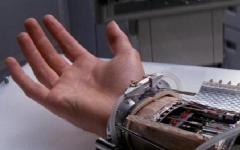Pisa: nuovo modello di mano bionica realizzato dai ricercatori della scuola sant'anna