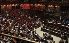 Italicum: il Governo Renzi incassa anche la terza fiducia (342 si, 15 no, 1 astenuto)