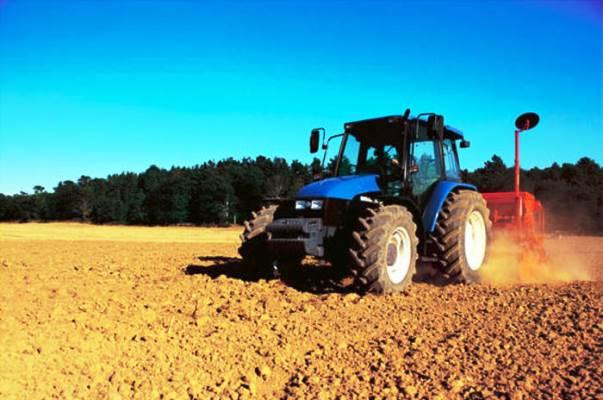 A Manciano un contadino di 78 anni è morto schiacciato dal suo trattore