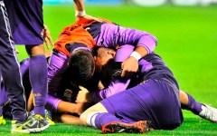 Fiorentina da applausi: quarto posto a sorpresa! Battuto il Chievo (3-0) mentre il Napoli crolla. Suspense per Montella. Pagelle
