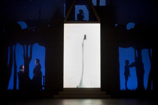 """""""The turn of the screw"""" di Britten, in scena al Goldoni per il Maggio"""