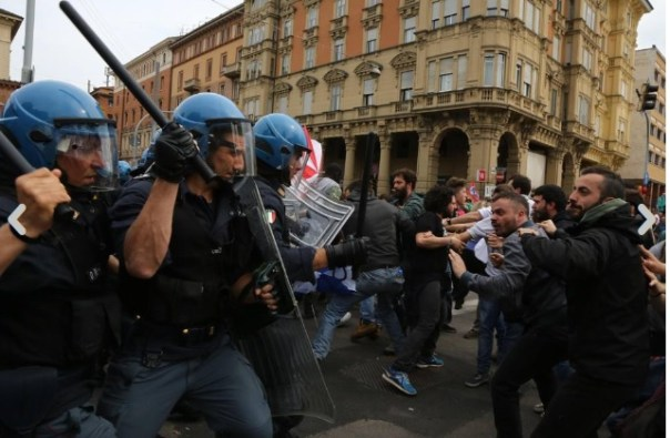 Scontri Polizia autonomi