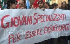 Jobs Act, l'Istat smentisce il Governo: disoccupazione in aumento (13%). E sale di più quella giovanile (43,1%)