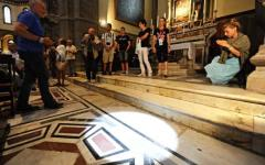 Firenze: nello gnomone del Duomo visibile il passaggio del sole