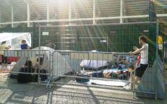 Vasco Rossi a Firenze: febbre da concerto. I fans accampati nelle tende, di notte, davanti allo stadio