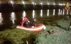 Pescia: donna incinta si getta in acqua per salvare il suo cane finito nel fiume