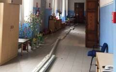 Firenze, crollo a scuola: si staccano le plafoniere della luce