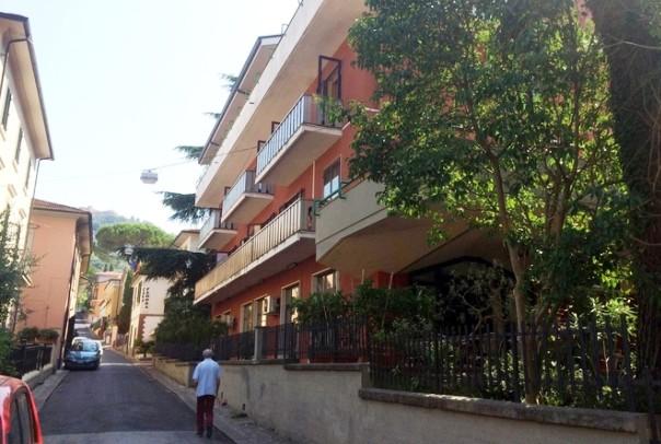 Montecatini, l'hotel dalla cui terrazza cui il ragazzo si sarebbe buttato giù
