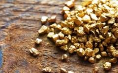 Arezzo, palline di oro nascoste in bocca: operaio arrestato