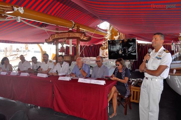 La presentazione della Veleggiata 2015 a bordo di Nave Palinuro