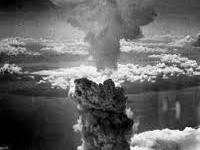 Giappone: settant'anni fa su Hiroshima la prima bomba atomica degli americani