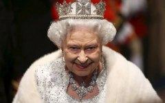 Regno Unito: Elisabetta II batte il record della Regina Vittoria. E' sul trono da 63 anni 7 mesi e 2 giorni