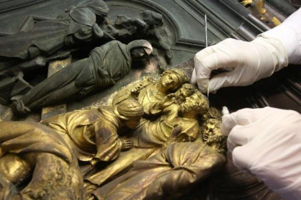 Il restauro della Porta Nord del Battistero (foto Gianluca Moggi - Opera di Santa Maria del Fiore)