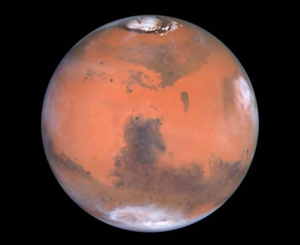Marte, il pianeta rosso: racchiude mari immensi d'acqua salata