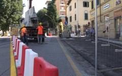 Firenze: si rompe un altro tubo di Publiacqua. Chiusa corsia del viale Morgagni. Colpa dei lavori tramvia?