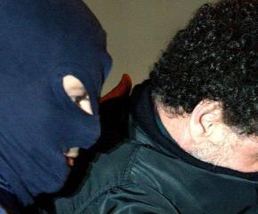 Agente digos arrestato per rapina in supermercato Lucca