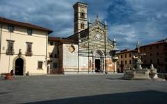Prato, il vescovo Agostinelli scrive a Renzi: presidente, salvi la prefettura
