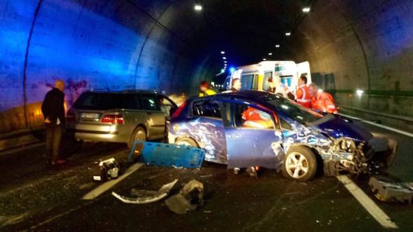 L'incidente sull'A1 sotto la  galleria di Pozzolatico