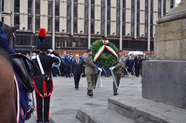 La cerimonia in piazza dell'Unità d'Italia