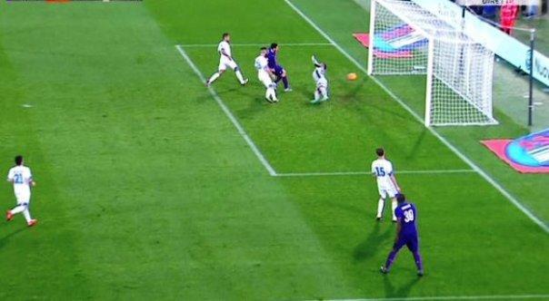 Fiorentina-Empoli 2-2, il primo gol di Kalinic (foto Twitter - SportMediaset)
