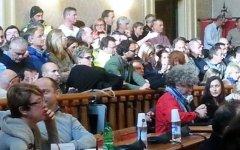 Livorno: il Sindaco Nogarin revoca l'incarico al Consiglio di amministrazione dell'Aamps, l'azienda per i rifiuti