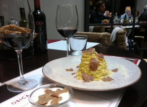 Tartufo bianco a scaglie e vino rosso