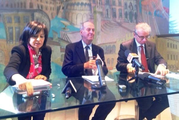 Banca Etruria, a destra il commissario Nicastro