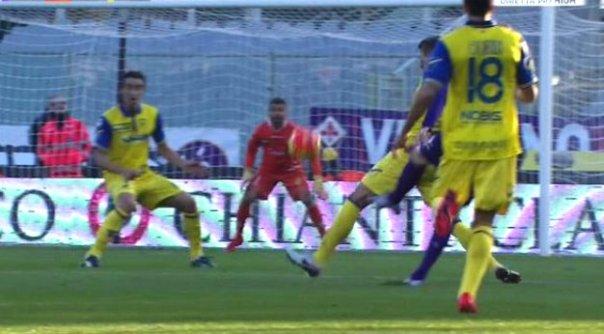 Fiorentina-Chievo, Ilicic ha appena scoccato il tiro del gol (foto Twitter - @Sport_Mediaset)