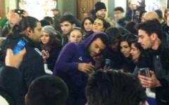 Pepito Rossi in mezzo ai tifosi viola