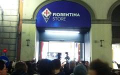 Fiorentina, store Duomo in Borgo San Lorenzo: bagno di folla fra i tifosi per Pepito Rossi, Kalinic e compagni