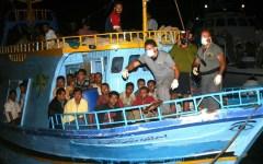 Terrorismo: miliziani dell'Isis nascosti fra i migranti dalla Libia a Lampedusa. L'allarme del ministro francese Le Drian