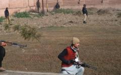 Pakistan, attacco di terroristi all'Università: decine di morti e feriti