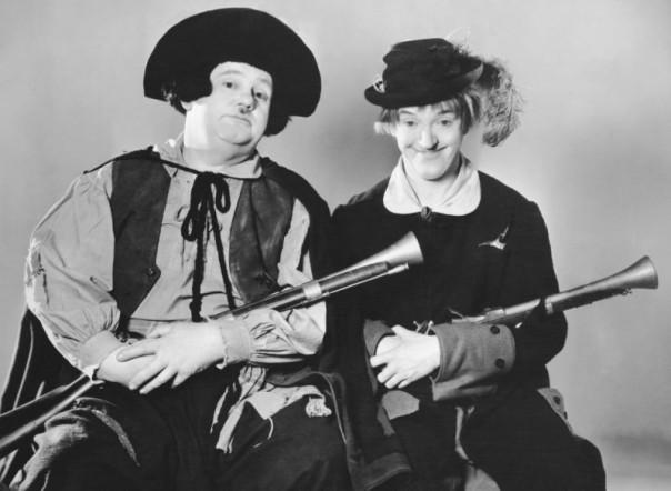 Stan Laurel e Oliver Hardy nella verione cinematografica di «Fra Diavolo»