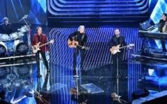 Sanremo: Stadio vincono cover, emozione Pooh, caos voto, Miele chiede la riammissione