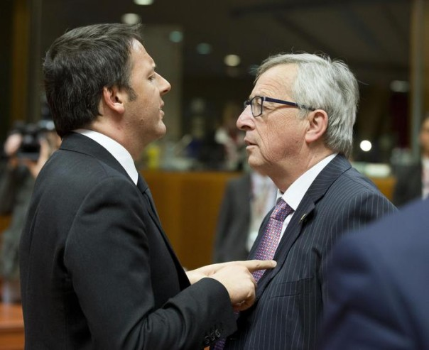 Italy's Prime Minister Matteo Renzi (L) with European Commission President, Jean Claude Juncker, at the European heads of states and government summit in Brussels, Belgium, 19 March 2015. ANSA/TIBERIO BARCHIELLI/UFFICIO STAMPA PALAZZO CHIGI