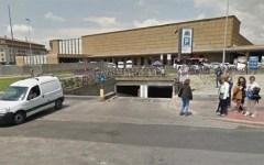 Firenze: danneggia auto con un martello nel parcheggio Stazione-Fortezza. Arrestato dai carabinieri