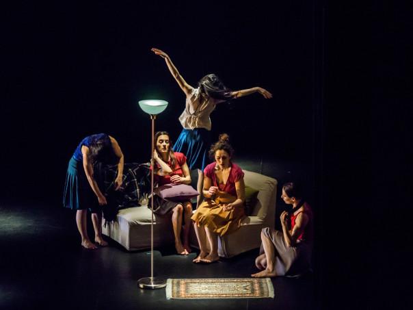 «Home» con Amina Amici, Eleonora Chiocchini, Daria Menichetti, Chiara Michelini, Sara Orselli