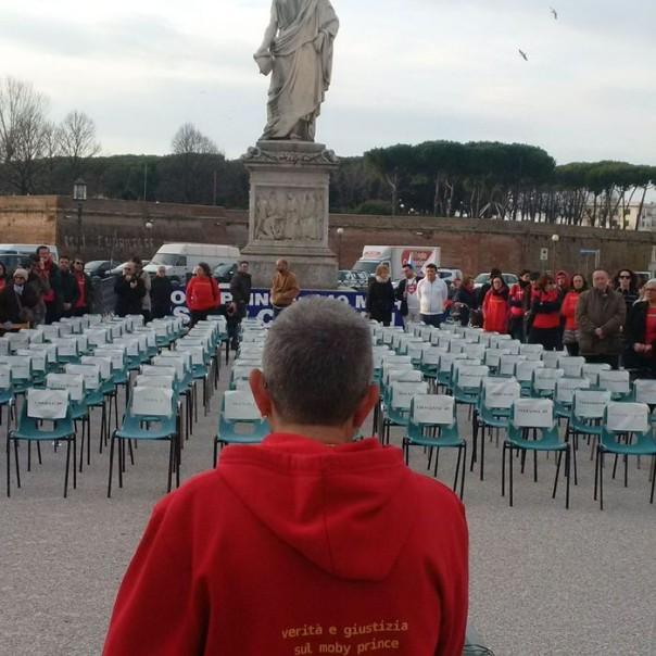 Moby Prince: 140 sedie vuote per ricordare vittime tragedia