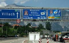 Migranti, ultimatum dell'Austria: «Stop ai trasferimenti da Lampedusa». Monito ad Alfano