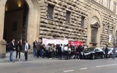Firenze, vertenza Guess: Città metropolitana e Comune contrari alla delocalizzazione a Lugano. Presidio dei lavoratori