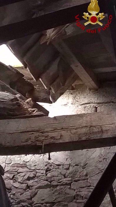 Crollo tetto a Ponsacco