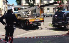Firenze, incidente mortale con auto che falcia i passanti nel viale Matteotti: tre indagati. Il reato: omicidio stradale